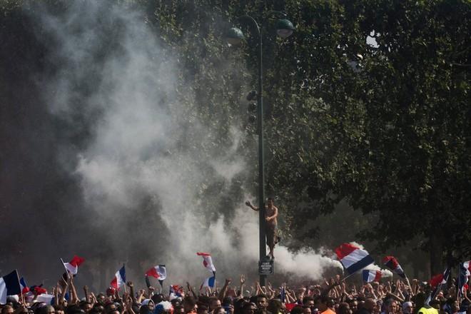 Những người hùng về nhì Croatia được chào đón như nhà vô địch - Ảnh 10.