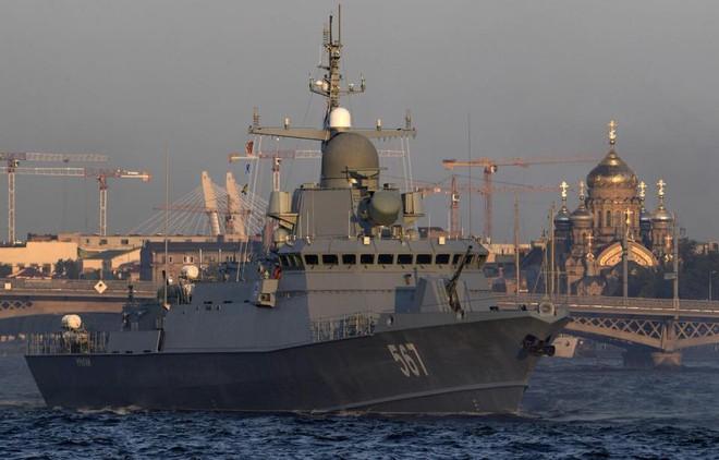 Nga duyệt binh hải quân năm 2018: Hơn 40 tàu chiến mạnh nhất, có một ngôi sao rất sáng! - Ảnh 5.