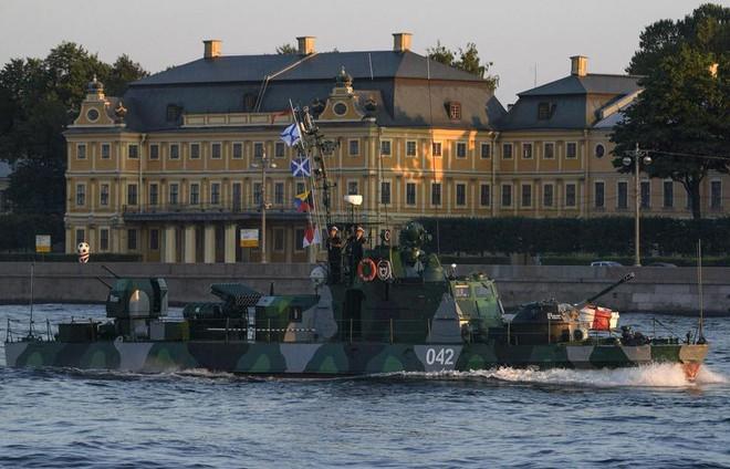 Nga duyệt binh hải quân năm 2018: Hơn 40 tàu chiến mạnh nhất, có một ngôi sao rất sáng! - Ảnh 13.