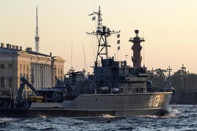 Nga duyệt binh hải quân năm 2018: Hơn 40 tàu chiến mạnh nhất, có một ngôi sao rất sáng! - Ảnh 11.