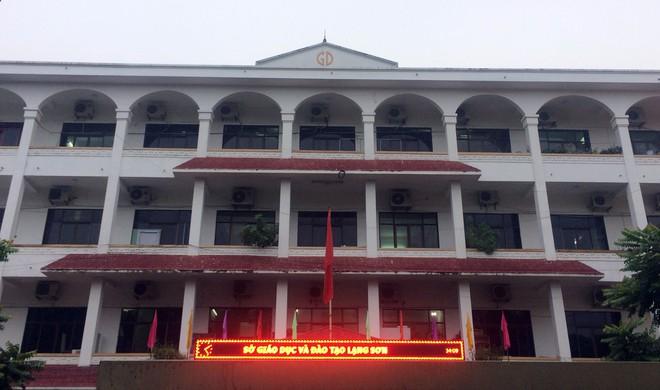 Tổ công tác dùng cơm tại chỗ, làm việc xuyên đêm tại Sở GD&ĐT Lạng Sơn - Ảnh 3.