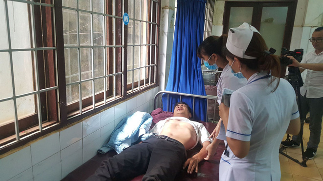 Vụ tai nạn giữa 2 xe khách làm 24 người bị thương: Nạn nhân văng khỏi giường nằm, la hét kêu cứu - Ảnh 2.