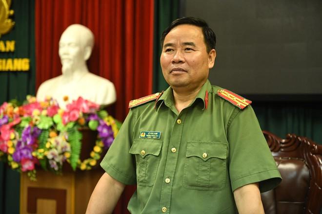 Công an Hà Giang họp báo thông tin về vụ gian lận điểm thi: Bắt giam Vũ Trọng Lương - Ảnh 5.