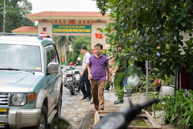 Công an Hà Giang khám xét nhà ông Vũ Trọng Lương - Ảnh 6.