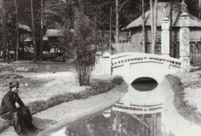 Bên trong khu vườn bị bỏ hoang ở Paris, nơi 100 năm trước con người từng bị đem ra triển lãm, mua vui chẳng khác gì ở sở thú - Ảnh 20.