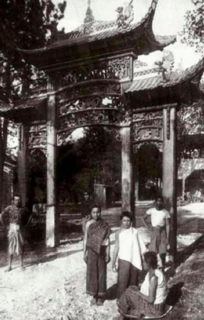 Bên trong khu vườn bị bỏ hoang ở Paris, nơi 100 năm trước con người từng bị đem ra triển lãm, mua vui chẳng khác gì ở sở thú - Ảnh 21.