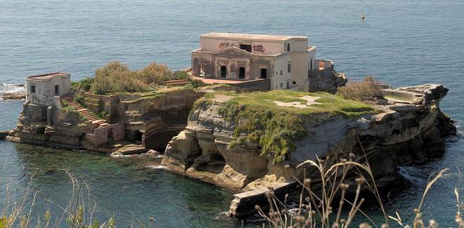 Những hòn đảo kỳ lạ bậc nhất thế giới hiện nay: Anh ghét em là tỏ tình, bỏ tiền ra mua thì cũng bỏ mạng - Ảnh 4.