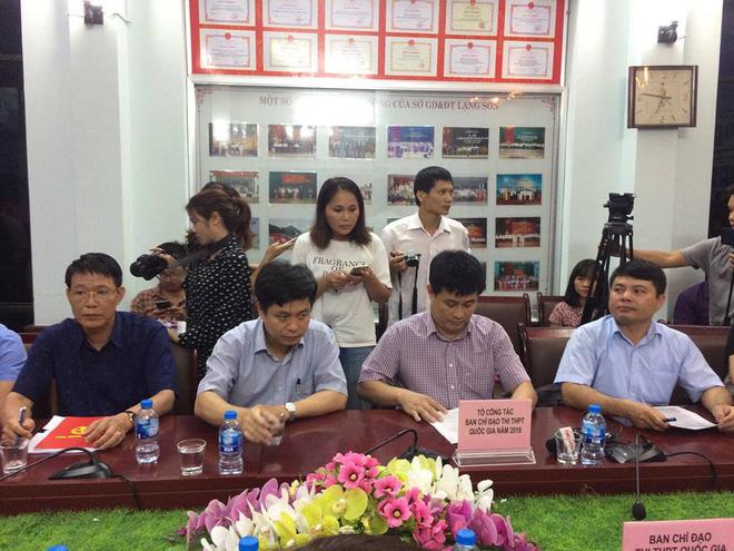 Họp báo chóng vánh rà soát điểm thi ở Lạng Sơn: 8/51 thí sinh bị giảm điểm thi sau chấm thẩm định - Ảnh 3.