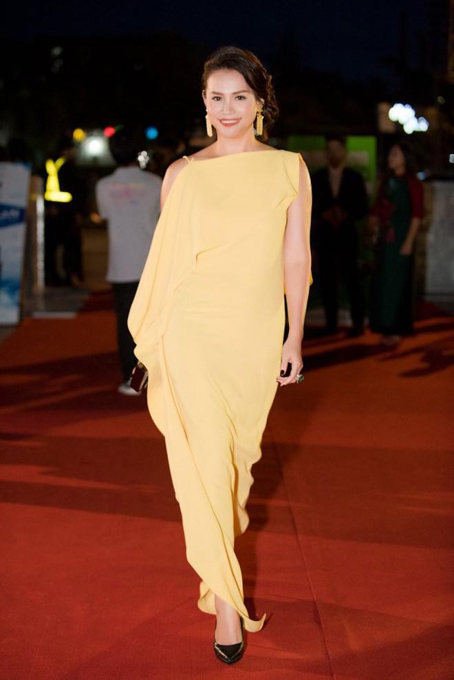 Hoa hậu Ngọc Khánh tái xuất, khiến khán giả ngỡ ngàng vì nhan sắc không tuổi - Ảnh 1.