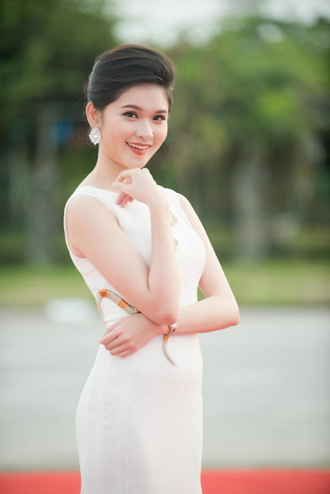 Hoa hậu Ngọc Khánh tái xuất, khiến khán giả ngỡ ngàng vì nhan sắc không tuổi - Ảnh 6.