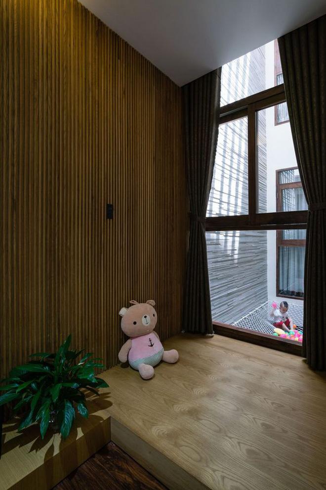 Mãn nhãn có ngôi nhà ngập ánh sáng, nội thất toàn bằng gỗ sang trọng - Ảnh 8.