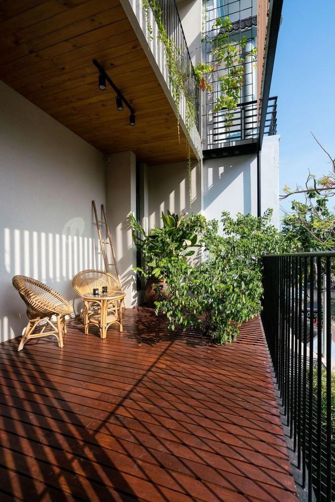 Mãn nhãn có ngôi nhà ngập ánh sáng, nội thất toàn bằng gỗ sang trọng - Ảnh 6.