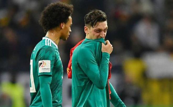 Leroy Sane lần đầu trải lòng về việc bị loại khỏi World Cup 2018 và quyết định giã từ ĐTQG của Ozil