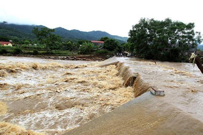 Miền Bắc sắp đón đợt mưa lớn: Lo ngại hàng nghìn hồ đập đang đầy nước - Ảnh 1.