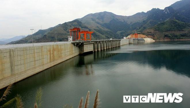 Những chuyện chưa từng biết đằng sau đập thủy điện Hòa Bình và Sơn La - Ảnh 3.