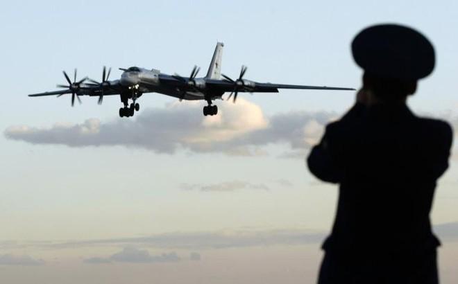 """Báo Trung Quốc kể """"chuyện khôi hài"""" gì về Tu-95 mà lại khiến mọi kẻ địch của Nga lạnh gáy?"""