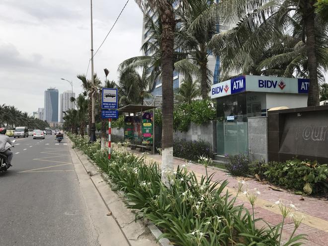 Du khách bị cướp đâm trọng thương ngay trụ ATM, trước khách sạn 5 sao ở Đà Nẵng - Ảnh 1.