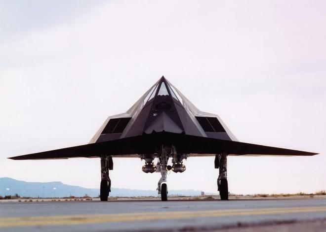 Khiến các quốc gia khác phải mơ ước, vì sao chim ưng đêm F-117 vẫn bị Mỹ khai tử? - Ảnh 2.