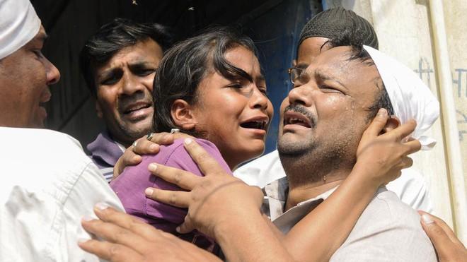 Ấn Độ: Cha mẹ vật lộn tìm cách bảo vệ con và câu hỏi nhói lòng khó giải đáp Mẹ ơi, hãm hiếp là gì? - Ảnh 1.