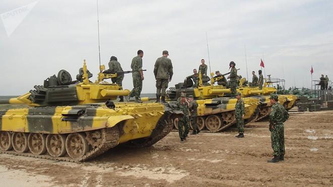 Báo Nga: Mọi người đều hâm mộ lính tăng Việt Nam can đảm tham gia Tank Biathlon - Ảnh 5.