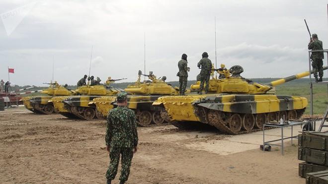 Báo Nga: Mọi người đều hâm mộ lính tăng Việt Nam can đảm tham gia Tank Biathlon - Ảnh 6.