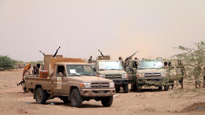 Lộ vũ khí độc liên quân Saudi Arabia: Phiến quân Houthi chạy re kèn ở Hodeidah - Ảnh 1.