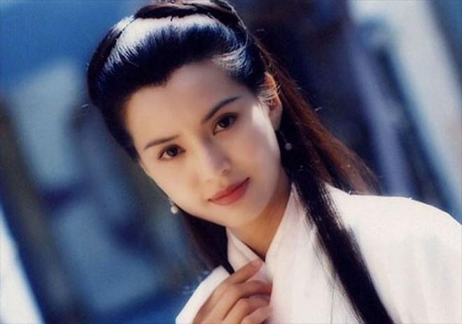 Thời thế đổi thay, nhưng vẻ đẹp của các ngọc nữ điện ảnh Hong Kong thập niên 80 - 90 vẫn xứng danh tường thành nhan sắc - Ảnh 9.