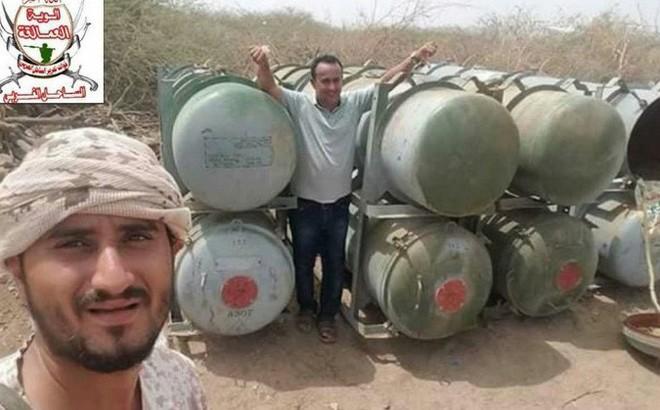 """Lộ vũ khí """"độc"""" liên quân Saudi Arabia: Phiến quân Houthi chạy re kèn ở Hodeidah"""