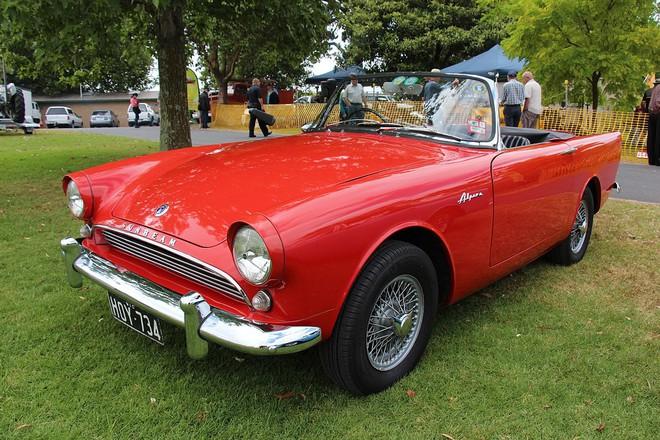 8 mẫu xe huyền thoại từng được James Bond sử dụng - Ảnh 1.
