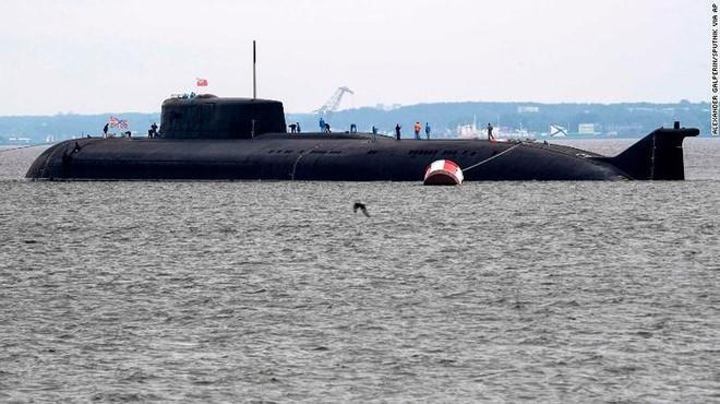 Giữa 40 tàu chiến Nga tham gia duyệt binh, có một ngôi sao - Ảnh 5.