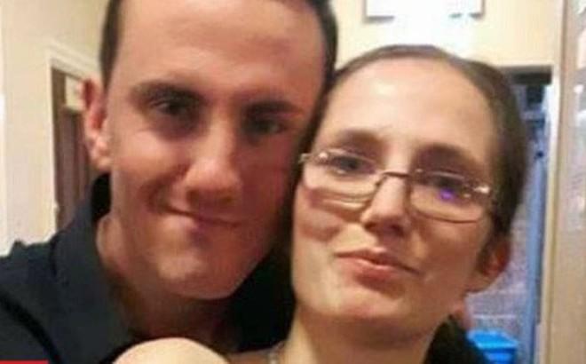 Cãi nhau với bạn gái khi say rượu, chàng trai tự đâm dao vào bụng tử vong