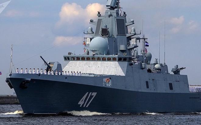 """Giữa 40 tàu chiến Nga tham gia duyệt binh, có một """"ngôi sao"""""""