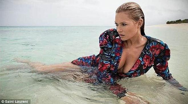 Kate Moss nóng bỏng và quyến rũ ở tuổi 44   - Ảnh 2.