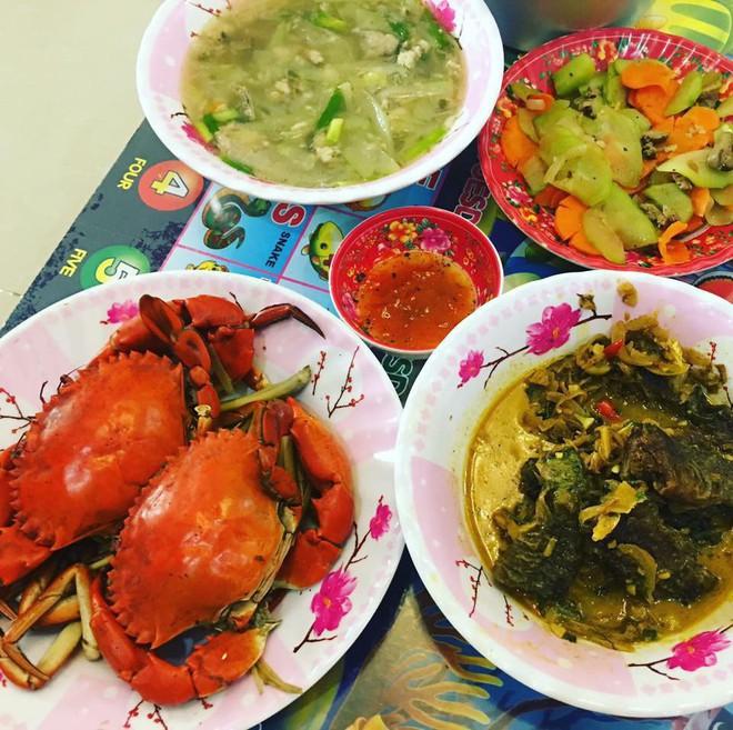 Giỏi bày vẽ đủ món ăn, tự tin nấu rất ngon nhưng cô gái miền Bắc vẫn bị người Sài Gòn chê dở tệ vì lý do này - Ảnh 4.