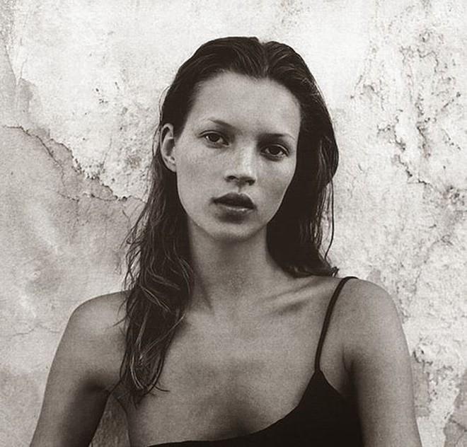 Kate Moss nóng bỏng và quyến rũ ở tuổi 44   - Ảnh 4.