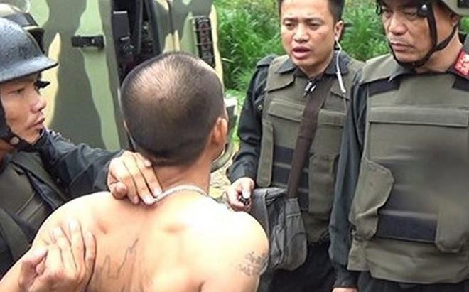 """Hai người mẹ được đưa tới """"thủ phủ ma túy"""" Lóng Luông để thuyết phục con trai đầu thú"""