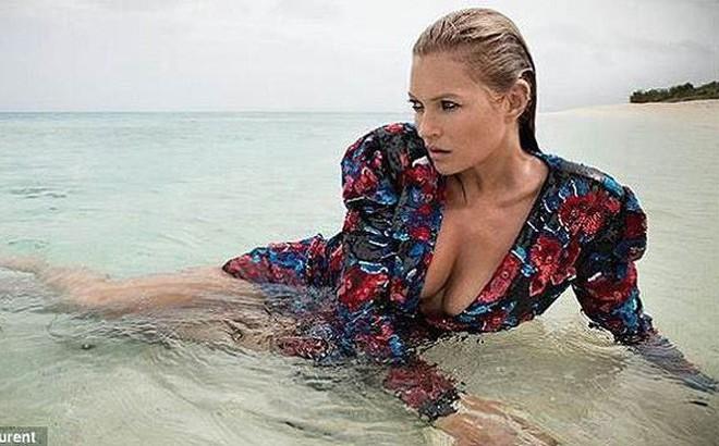 Kate Moss nóng bỏng và quyến rũ ở tuổi 44