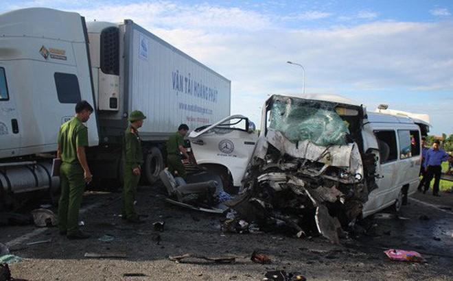 Hiện trường kinh hoàng vụ tai nạn khiến chú rể và 12 người đi rước dâu tử vong ở Quảng Nam