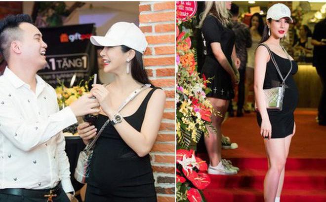 Khoe bụng bầu lớn ở tháng thứ 5, Diệp Lâm Anh gây tranh cãi khi thoải mái đi giày cao gót