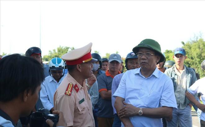 Vụ TNGT làm 13 người thiệt mạng: Chủ tịch tỉnh Quảng Nam trực tiếp xuống hiện trường