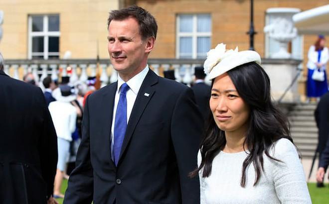"""Cố lấy lòng Trung Quốc, tân Ngoại trưởng Anh vạ miệng vì """"sai lầm nghiêm trọng"""""""