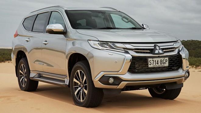 Nhiều xe hãng Mitsubishi nhập khẩu bất ngờ giảm giá chục triệu đồng - Ảnh 1.