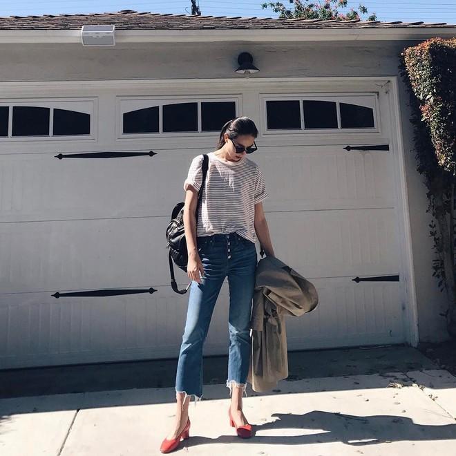 4 mẫu jeans hot nhất mạng xã hội hè này hóa ra đều rất quen thuộc và diện mãi mà chẳng hề lỗi mốt - Ảnh 15.