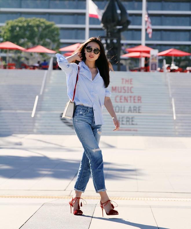 4 mẫu jeans hot nhất mạng xã hội hè này hóa ra đều rất quen thuộc và diện mãi mà chẳng hề lỗi mốt - Ảnh 16.