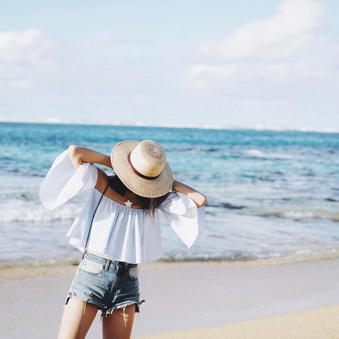 4 mẫu jeans hot nhất mạng xã hội hè này hóa ra đều rất quen thuộc và diện mãi mà chẳng hề lỗi mốt - Ảnh 3.
