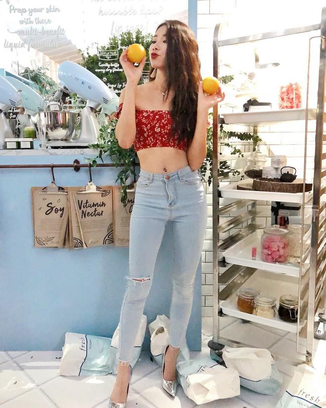 4 mẫu jeans hot nhất mạng xã hội hè này hóa ra đều rất quen thuộc và diện mãi mà chẳng hề lỗi mốt - Ảnh 8.