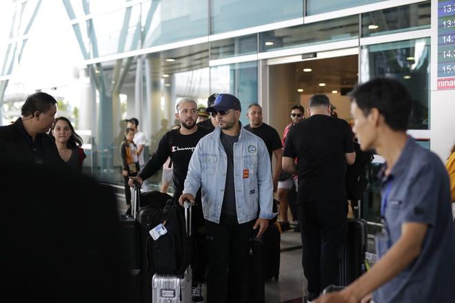Chủ nhân siêu hit 5 tỷ view Despacito đã có mặt tại Đà Nẵng, mang theo ekip hùng hậu 30 người - Ảnh 5.