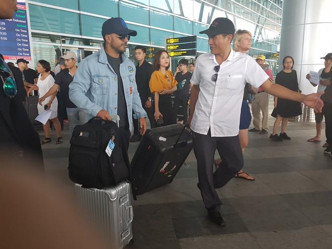 Chủ nhân siêu hit 5 tỷ view Despacito đã có mặt tại Đà Nẵng, mang theo ekip hùng hậu 30 người - Ảnh 8.