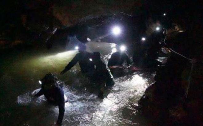 Tại sao vụ mắc kẹt ở Thái Lan còn nghiêm trọng hơn vụ sập hầm Chile năm 2010?