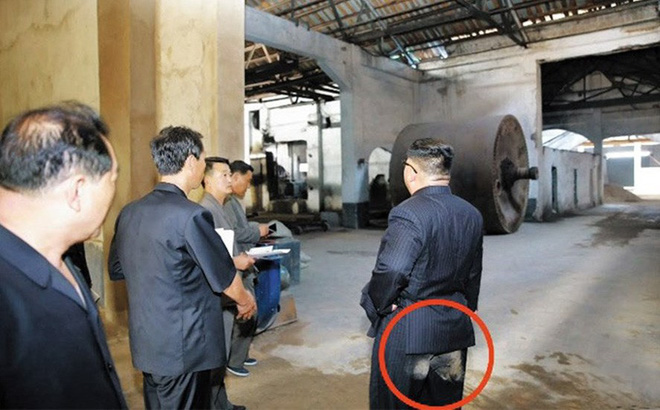 Truyền hình Triều Tiên phát cảnh ông Kim Jong-un mặc quần lấm bụi bẩn